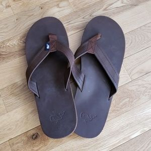 dc9380537954c8 Men s Vineyard Vines Leather Flip Flops